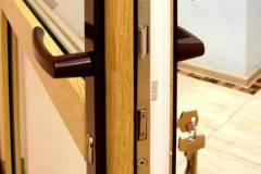 08-Нажимная-дверная-ручка