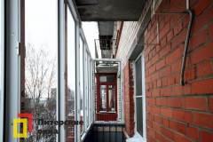 06-Остекление-балкона-с-крышей-пр-Ветеранов