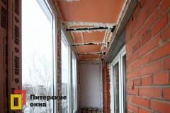 08-Остекление-балкона-с-крышей-пр-Ветеранов