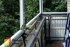 09-Остекление-углового-балкона-с-выносом-перил-пр-Науки