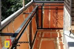 10-Остекление-углового-балкона-с-выносом-перил-пр-Науки