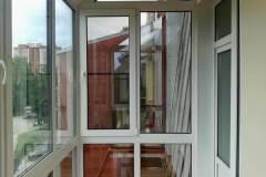03-Остекление-балкона-в-пол-с-крышей-ул-Рябиновая