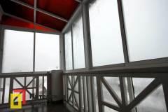 18-Остекление-балкона-в-пол-с-крышей-пос-Солнечное