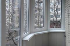 04-Остекление-скругленного-балкона-в-137-серии