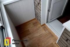 19-Остекление-балкона-в-брежневке-528КП41-серии