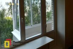 20-Остекление-балкона-в-брежневке-528КП41-серии
