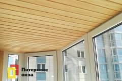 12-Отделка-балкона-деревянной-вагонкой-ул-Маршала-Казакова