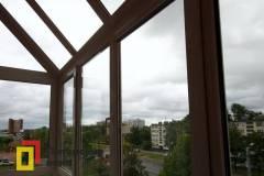 20-Остекление-балкона-с-крышей-из-стеклопакетов-пр-Науки